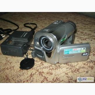 Продам цифровую видеокамеру Panasonic NV-GS35
