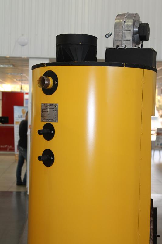 Фото 2. Твердотопливный котел длительного горения Буран 10 - 50У+ГВС (двухконтурный)