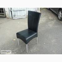 Продам стулья из кожзама черные б/у в ресторан, кафе, конференц-зал, студию