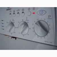 Продам стиральную машину Indesit WITXL 109 по запчастям