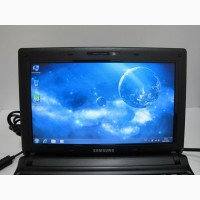 Двух ядерный нетбук Samsung N150 черного цвета